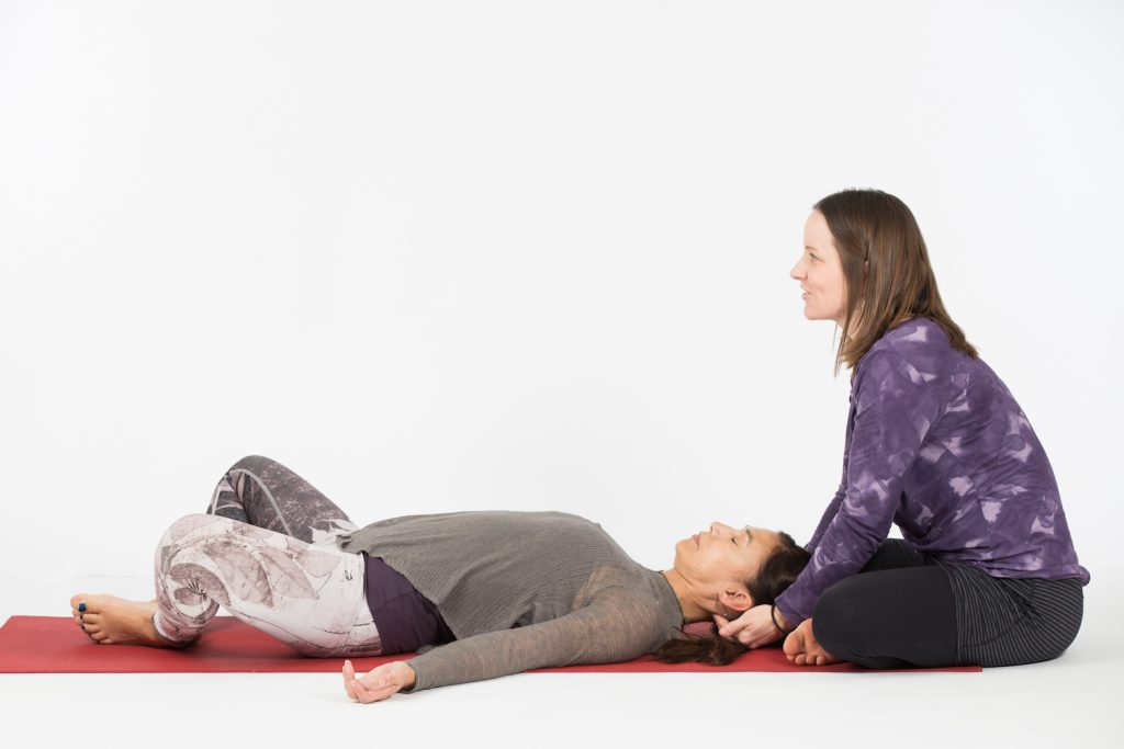 reclined-butterfly-neck-massage